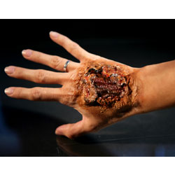special-effects-prosthetic-makeup-artist-shutterstock_5721334