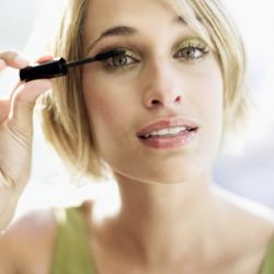 makeup-artist-training-thinkstockstk68153cor
