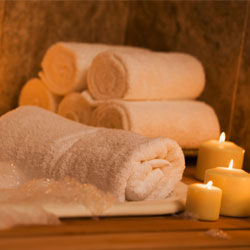 home-spa-pampering-thinkstock86493924