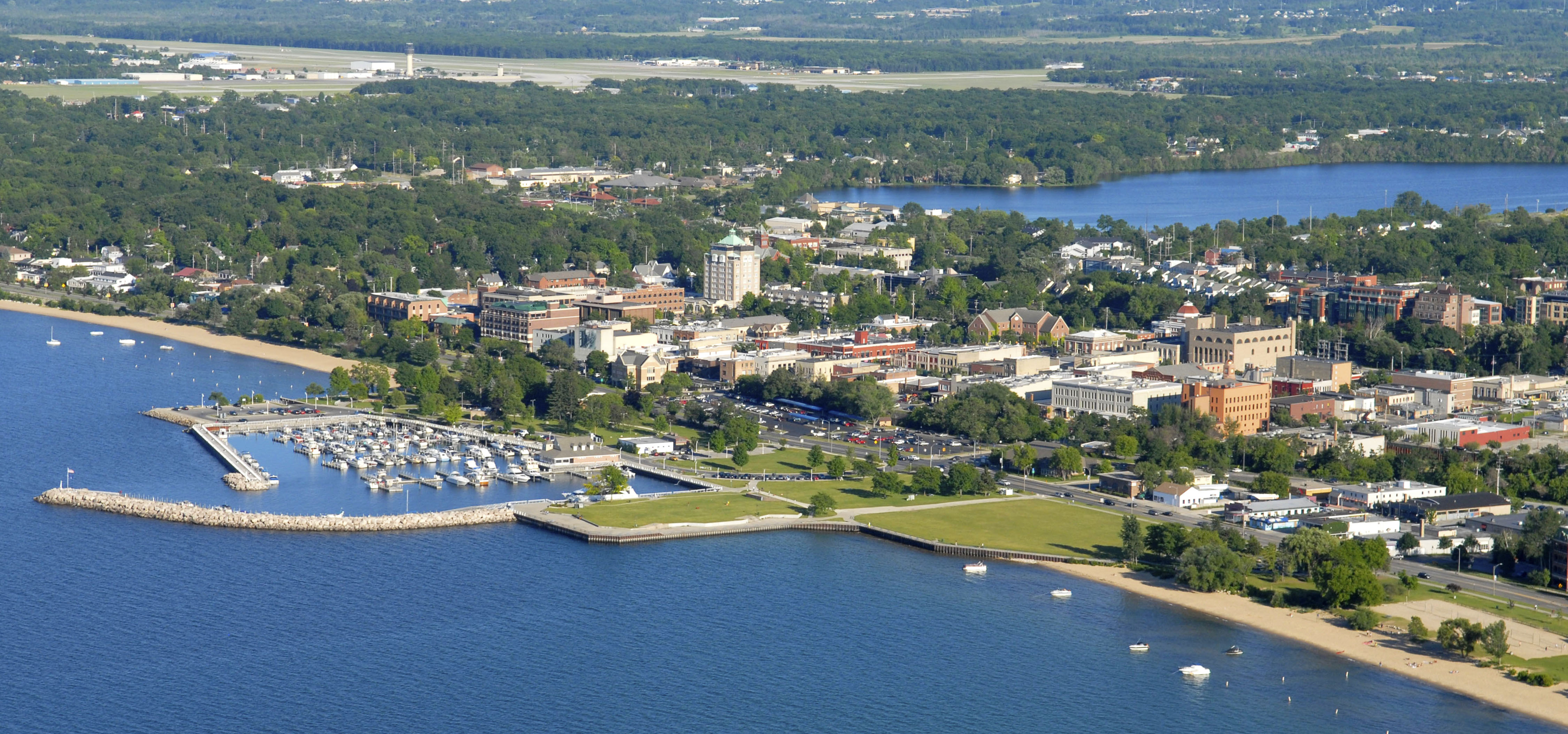 Hotels In Traverse City Mi On The Beach