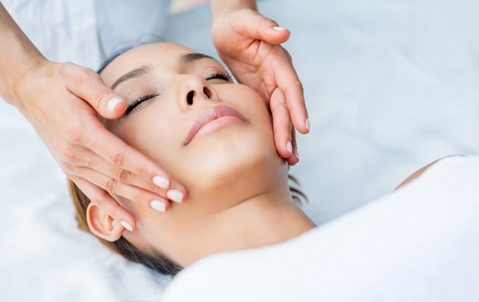 facial at an esthetician school in atlanta