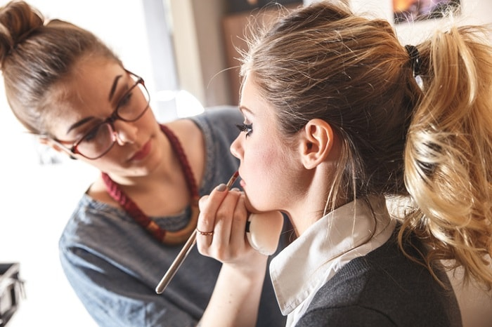 makeup artist school training in chicago