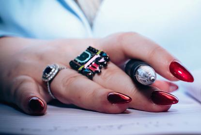 2011 Hot Holiday Nail Trends
